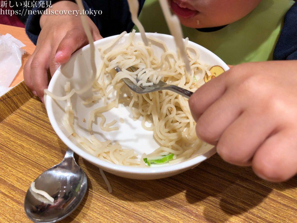 福岡市(博多駅・天神等)2歳子連れでとんこつラーメンを食べるならここ!福岡人がお勧めする4店舗をご紹介します。